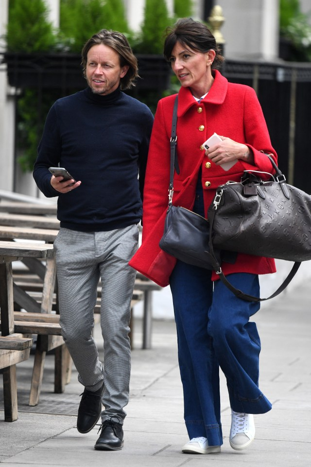 The TV host has been spotted getting close to her hairdresser Michael Douglas