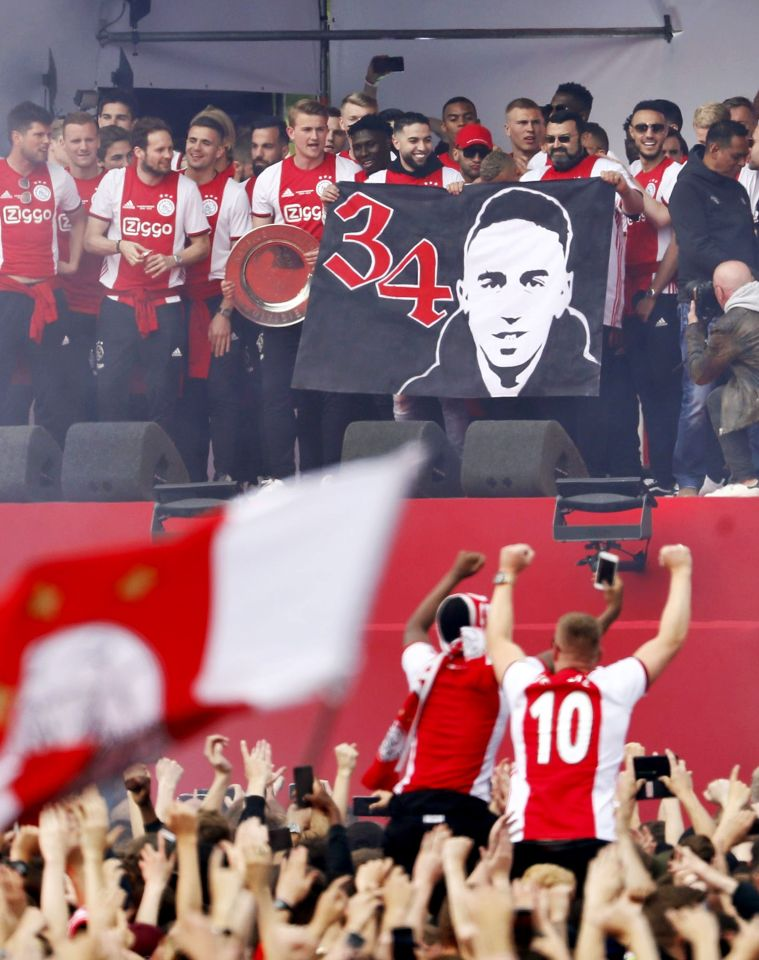 Ajax dedicated title No34 to their very own No34 Abdelhak Nouri who is still in recovery from his collapse in 2017