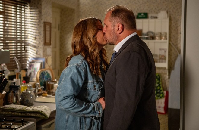 Will Taylor and Harriet Finch shared a passionate kiss in last night's episode of Emmerdale