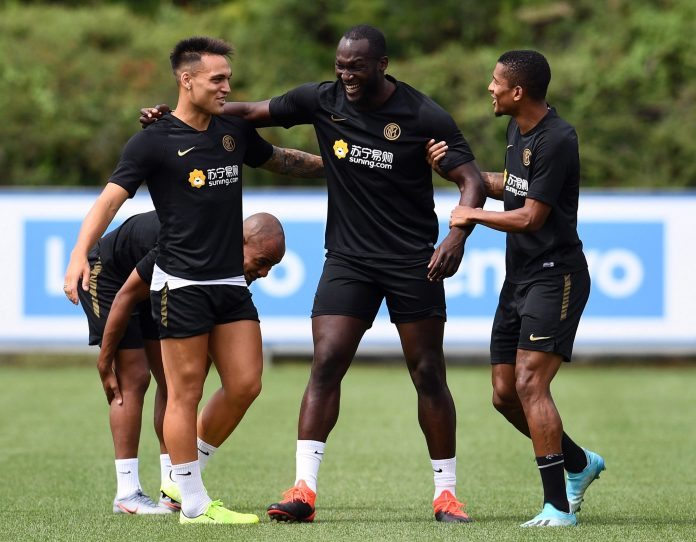 Lautaro Martínez and Dalbert Henrique help Inter new boy Romelu Lukaku feel at home