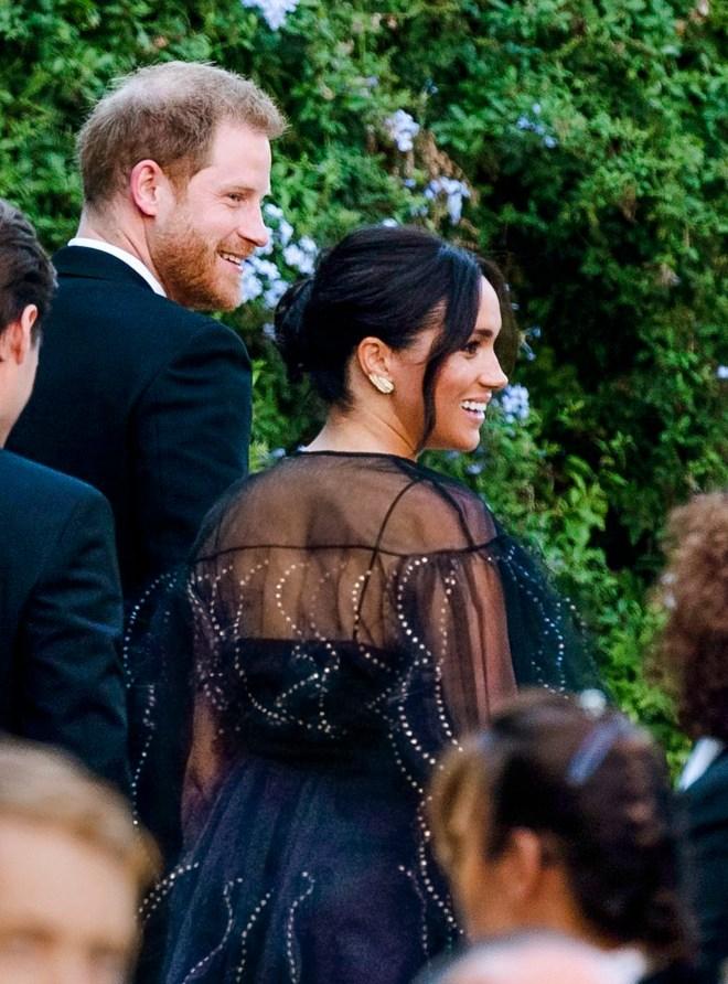 Meghan wore a £5 pair of vintage earrings to her best pal's wedding in Rome