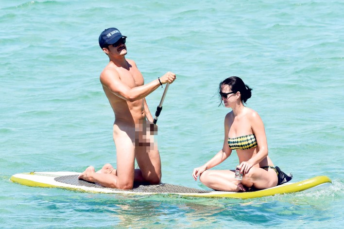 Orlando Bloom insists his todger is 'not that big' after those ...
