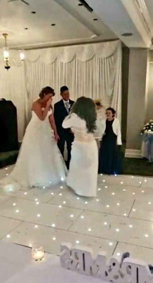 Groom S Crazy Ex Crashes Wedding Wearing Bridal Gown Screaming