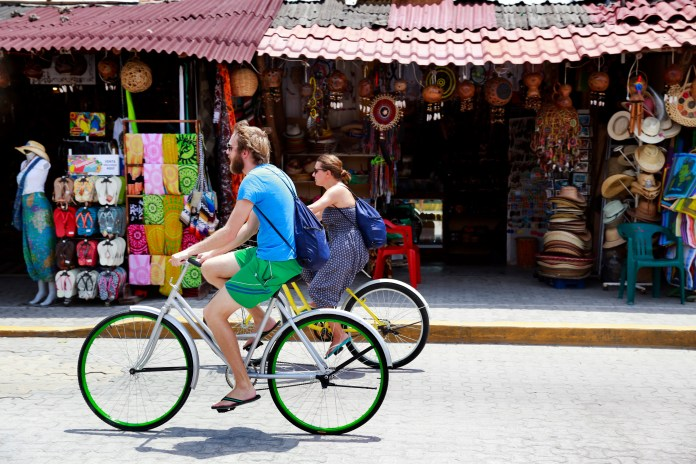 What is the latest travel advice for tourists travelling to Mexico?