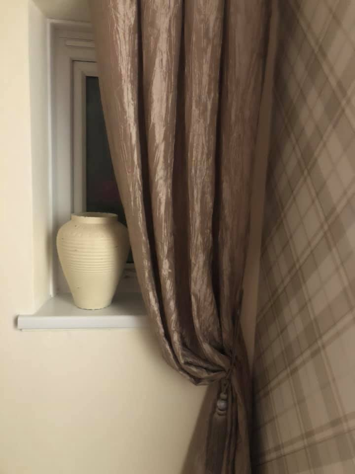 The mum even managed to pick up curtains for 10p