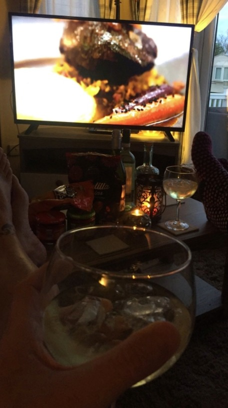 Watch TV together from a different perspective