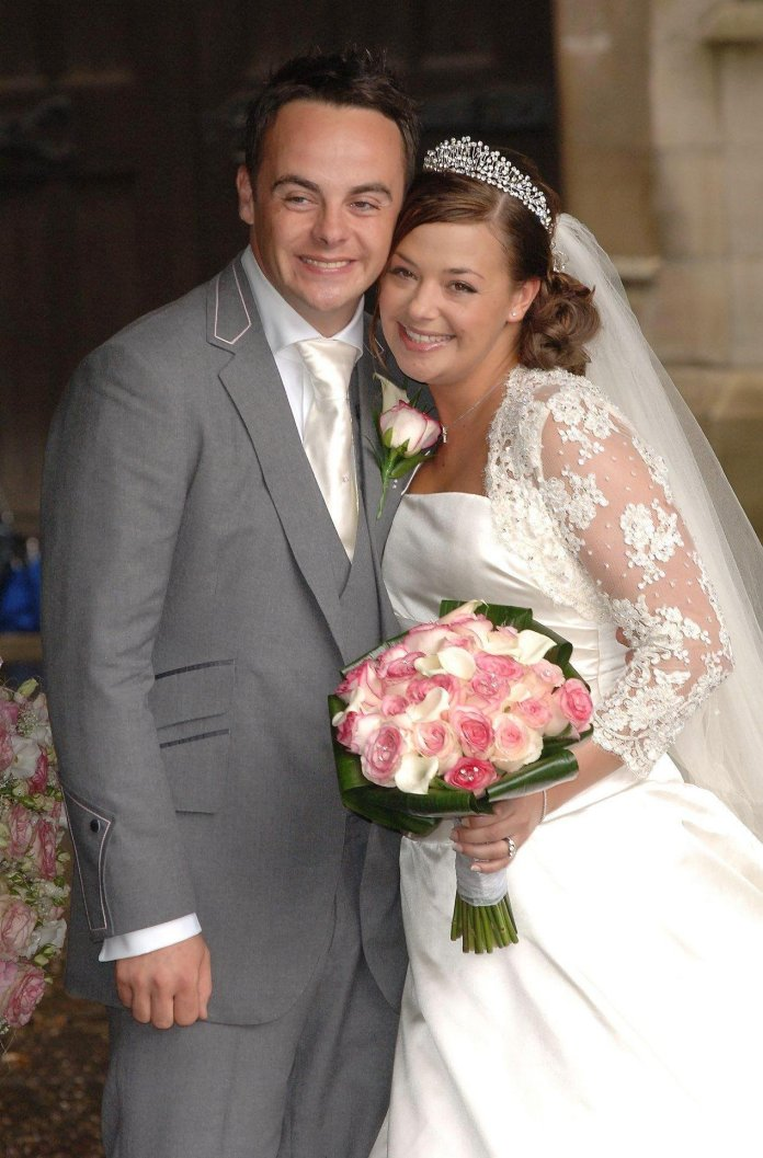 Ant and Lisa were married in July 2006 in Buckinghamshire