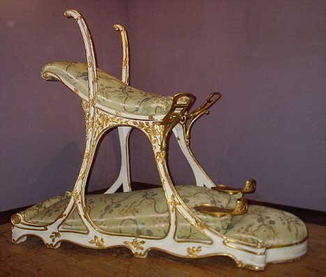 The replica is reportedly of the infamous 'sex chair' made for the King