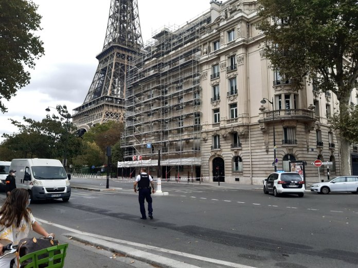 Cops sealed off the Eiffel Tower after a bomb threat today