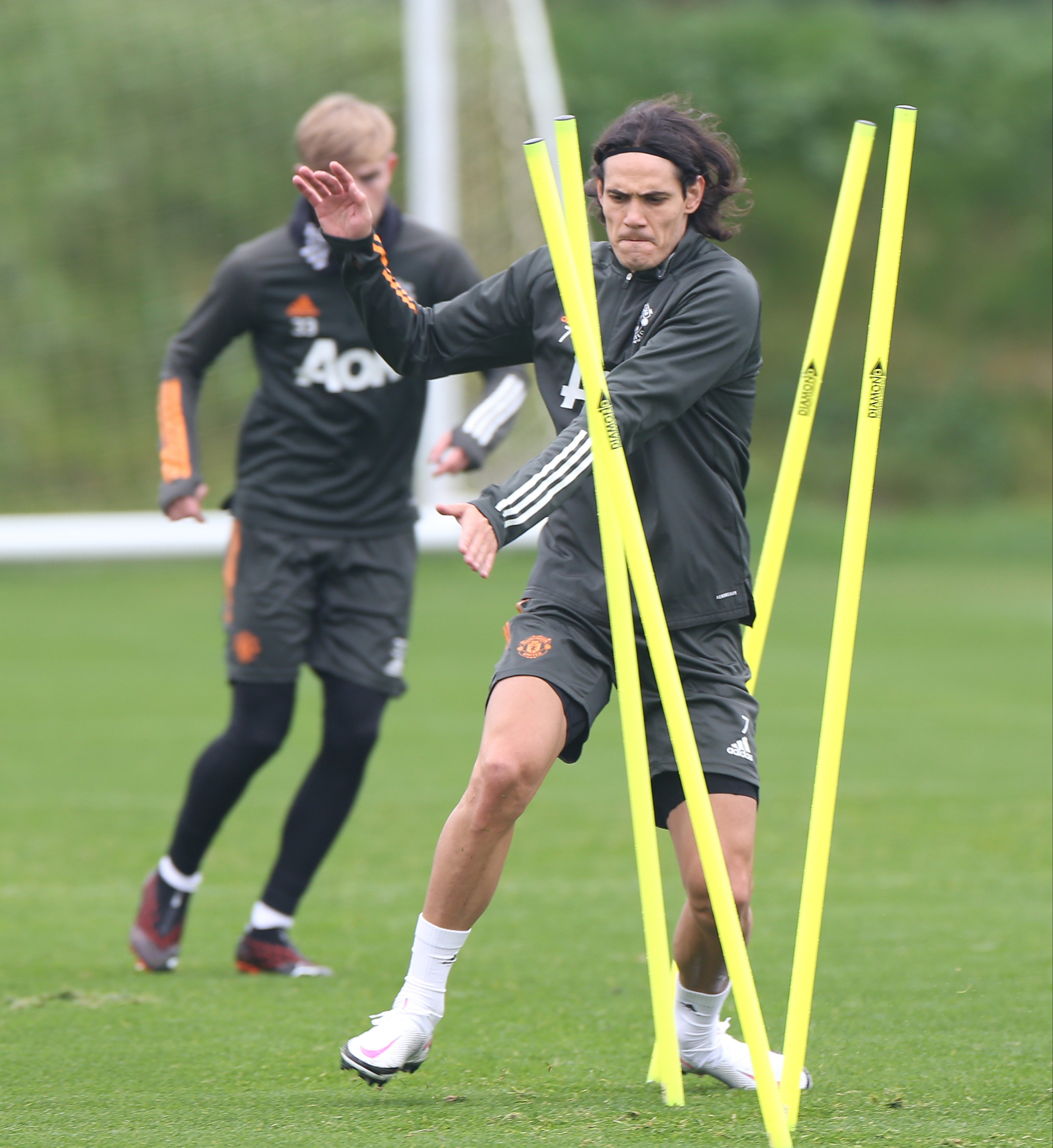 Edinson Cavani was pictured training with Manchester United for the first time