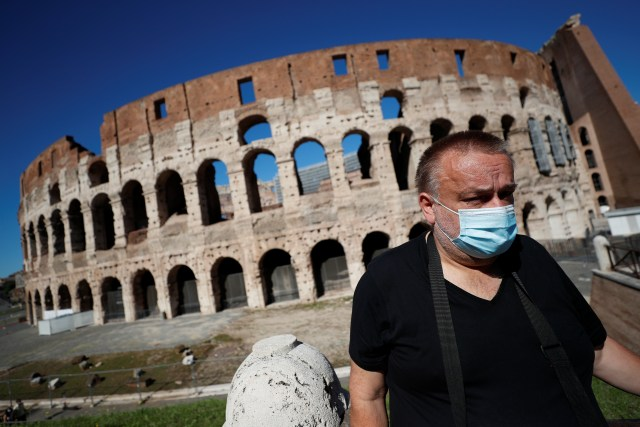 Nearly 20,000 Brits are demanding refunds after scrapping half-term holidays to Italy as they will face a fourteen-day-quarantine