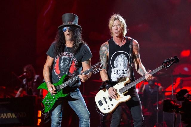 Duff and Slash perform for Guns n' Roses