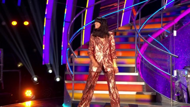 But many viewers thought her outfit looked like pyjamas