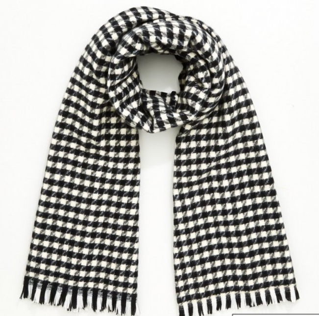 This dogtooth scarf from Very is lovely...