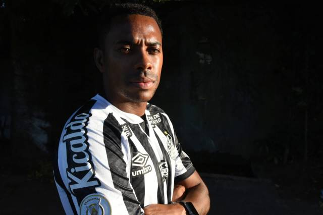 Robinho re-signed for Santos as a free agent last week