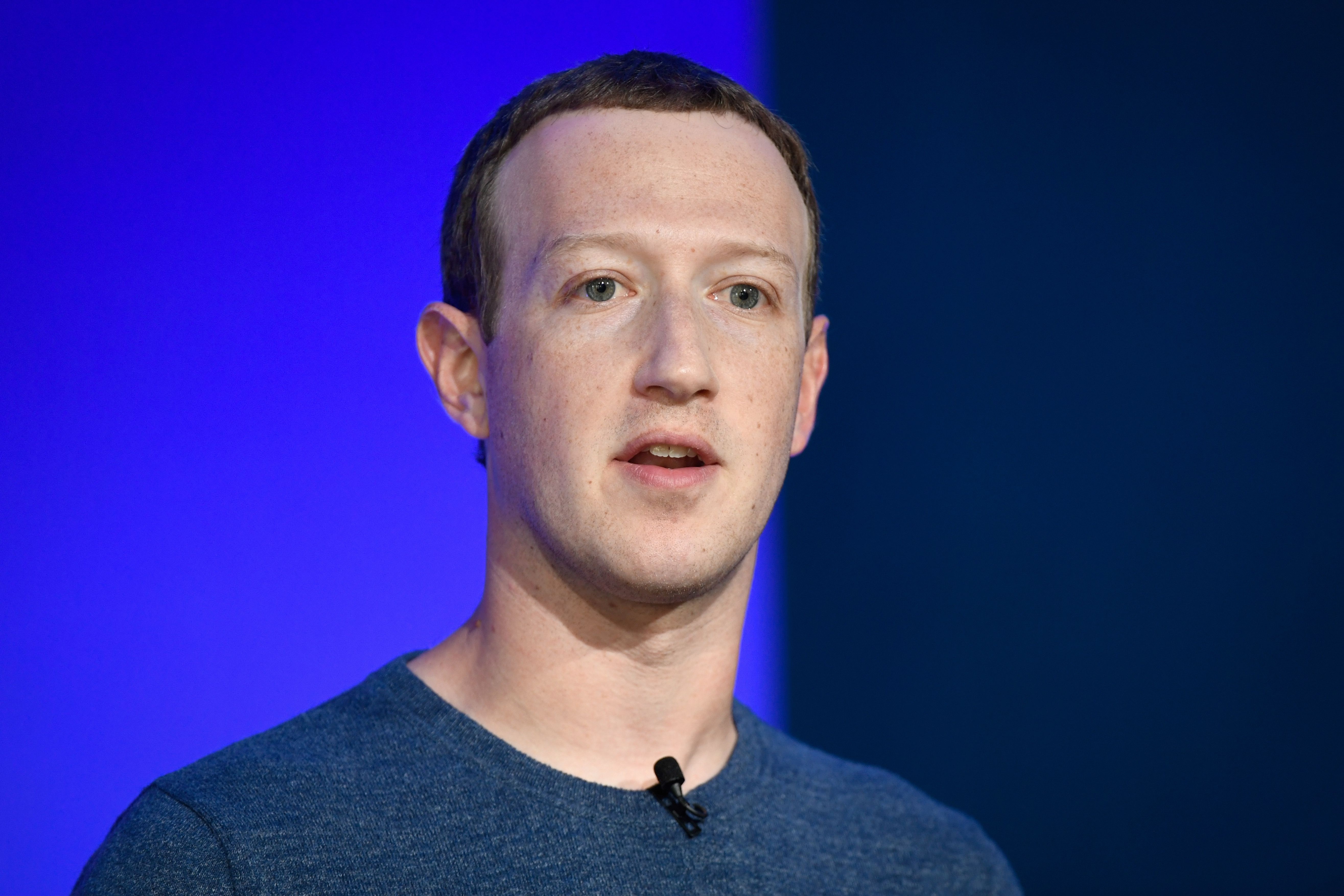 Mark Zuckerberg told Facebook staff 'we need to inflict pain' on Apple in 2018, according to reports