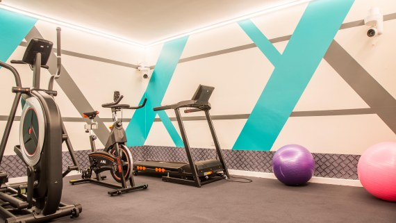 It also features a well-equipped gym