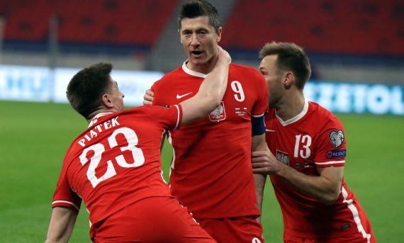 Robert Lewandowski rescued a draw for Poland at Hungary