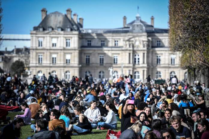 The Jardin du Luxembourg was also packed with people enjoying the sunshine