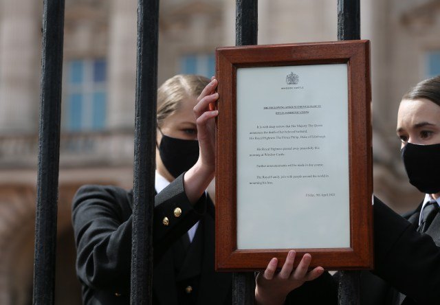 Palace staff placed a notice announcing the Duke's death