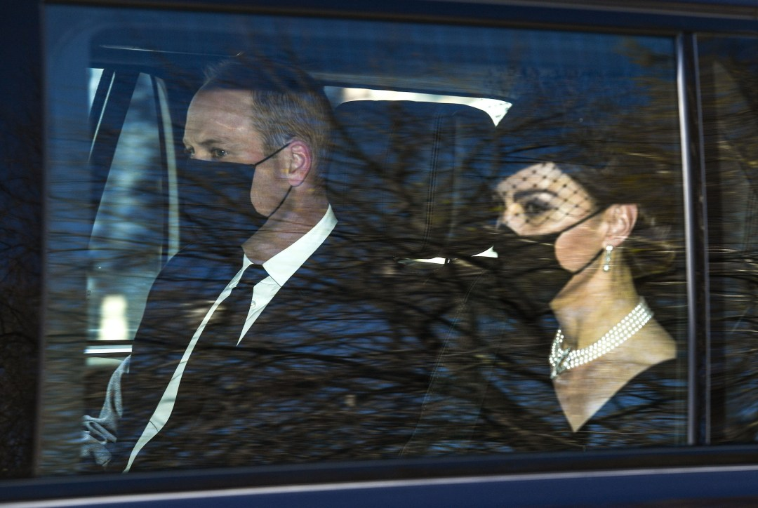 William and Kate leaving Kensington Palace today to join mourners