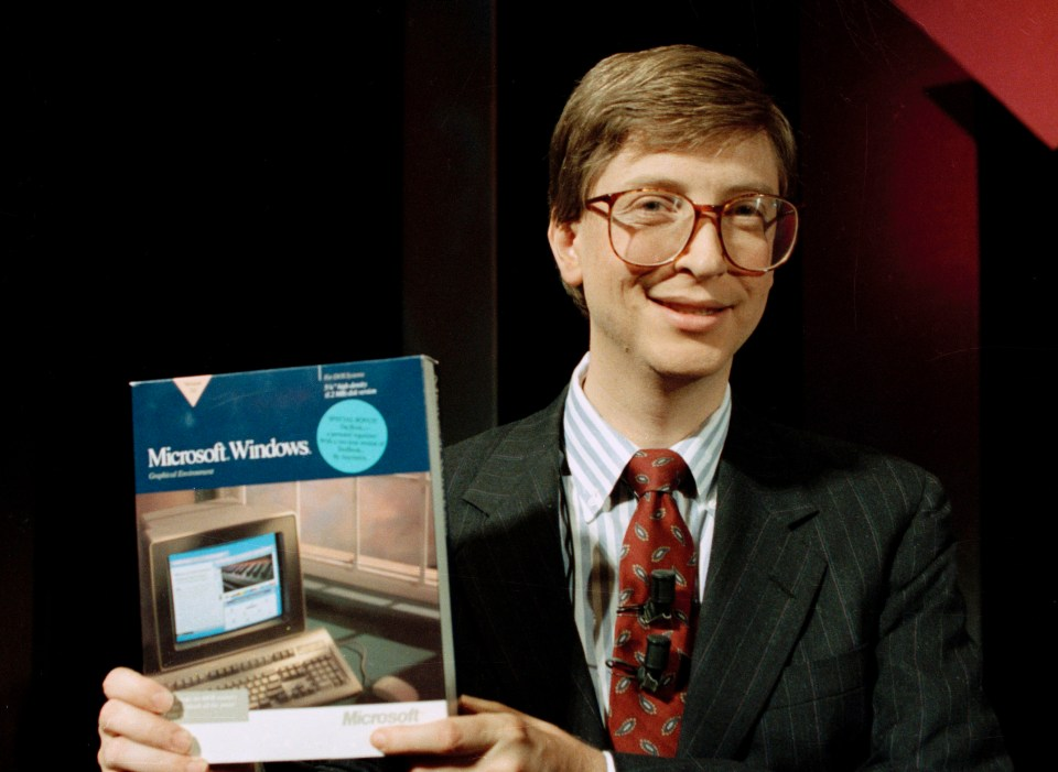 Bill Gates introduces Windows software in New York in 1990
