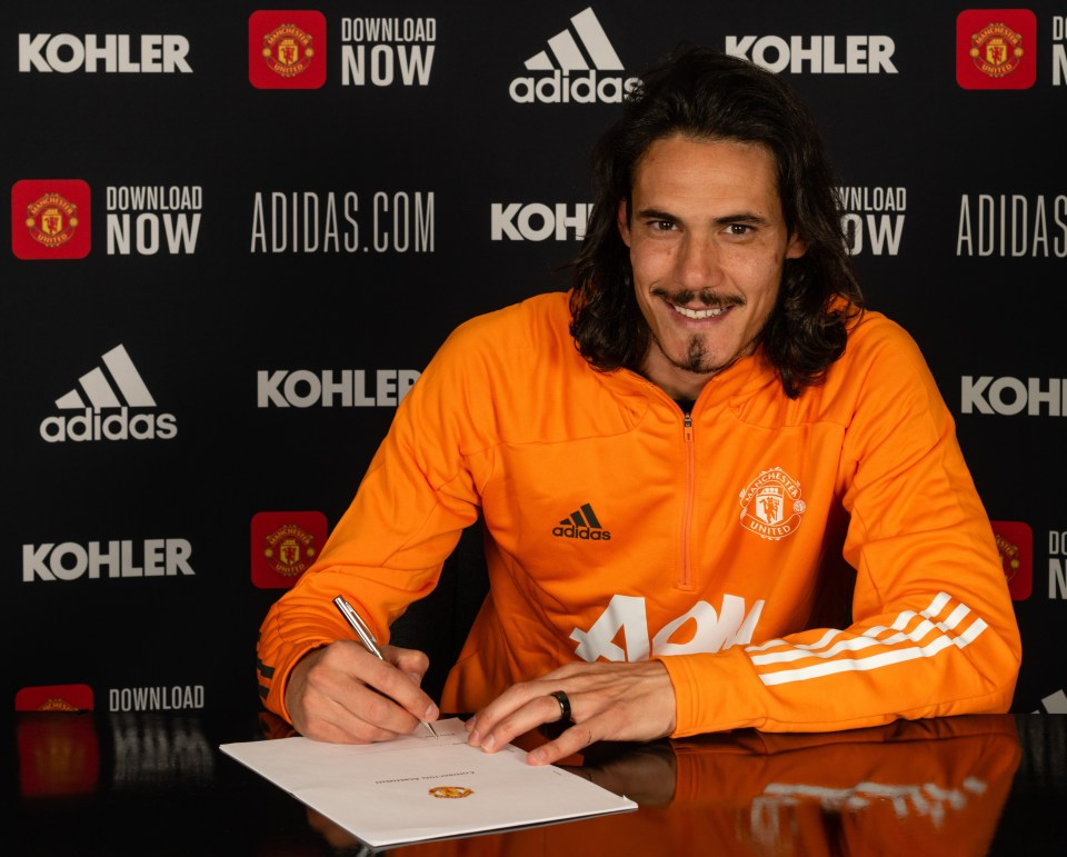 Edinson Cavani has penned a new £250-a-week extension to stay at Old Trafford