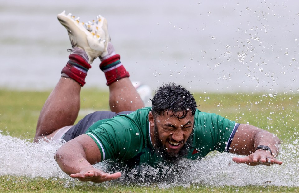 Bundee Aki goes for a surf