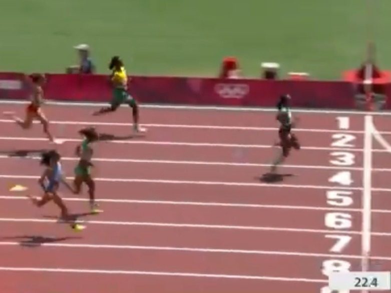 Jackson (yellow) eased off to such an extent that she ended up fourth