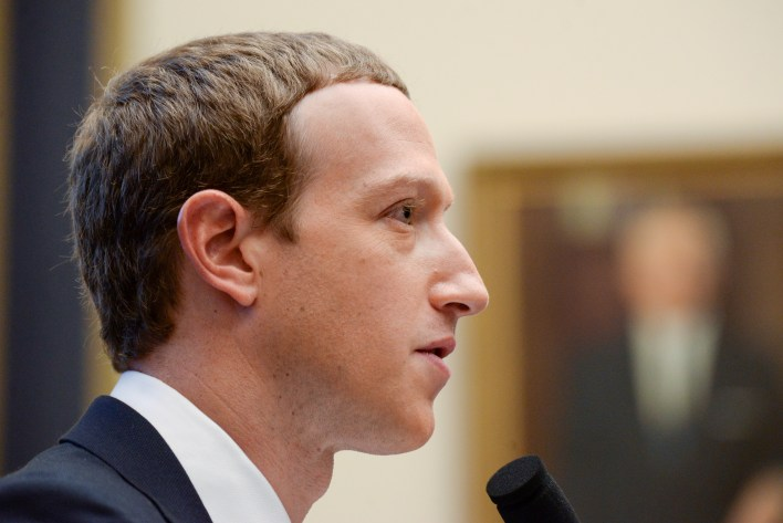 Facebook posee tanto Instagram como WhatsApp
