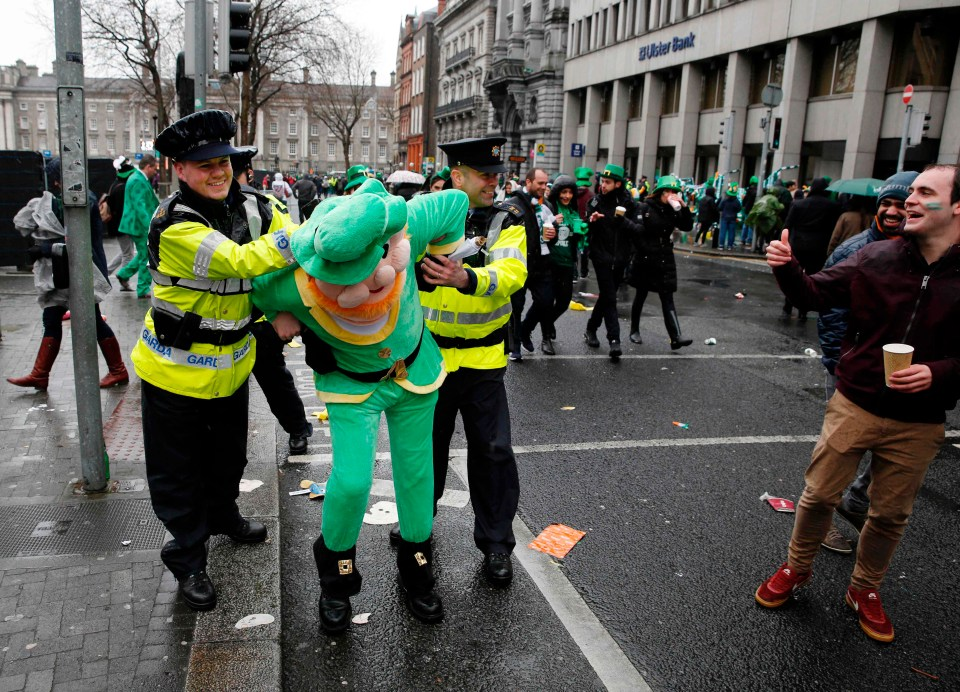 Leprechaun 'arrested' as Dublin's St Patrick's Day parade ...