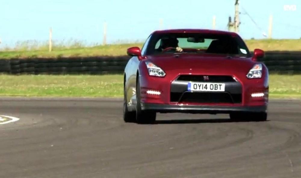 Nissan GT-R vs BMW M5