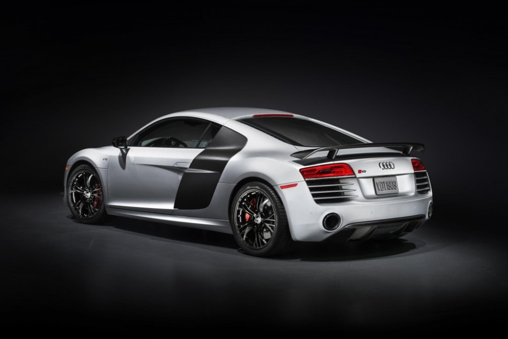 Audi R8 Competition rear angle