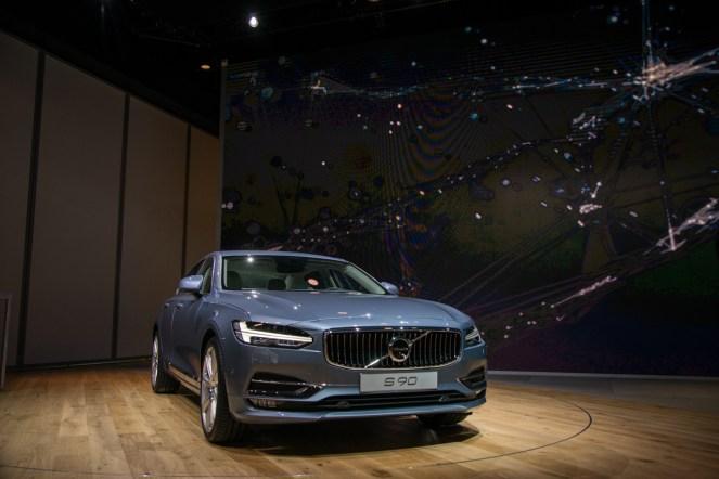 Volvo S90- 2016 Detroit Auto Show-8