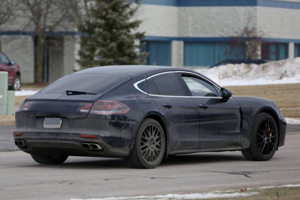 2017 Porsche Panamera caught testing in the US-2