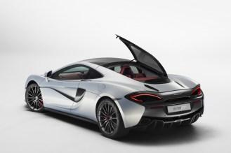 McLaren 570GT 2016 Geneva Motor Show-1