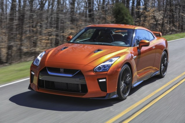 2017 Nissan GT-R Facelift- 2016 NY Auto Show-1