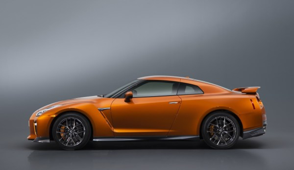 2017 Nissan GT-R Facelift- 2016 NY Auto Show-6