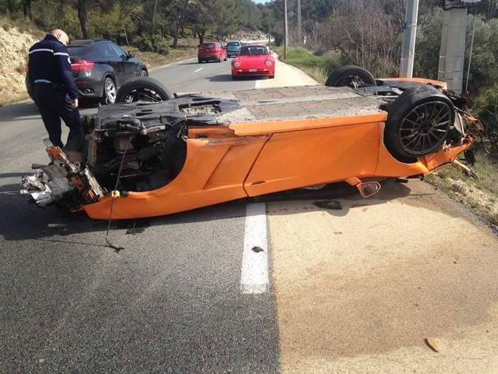 Lamborghini Bicolore Crash in France-6