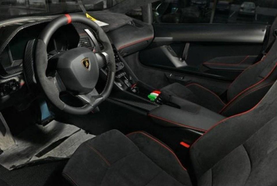 Lamborghini Veneno for sale- Red 2