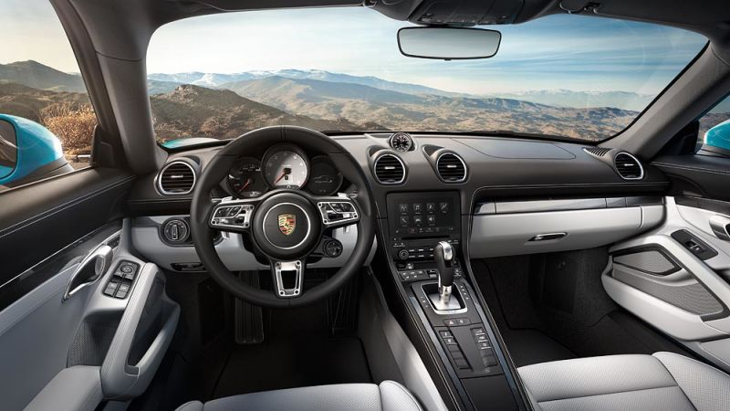 2017 Porsche 718 Cayman-3