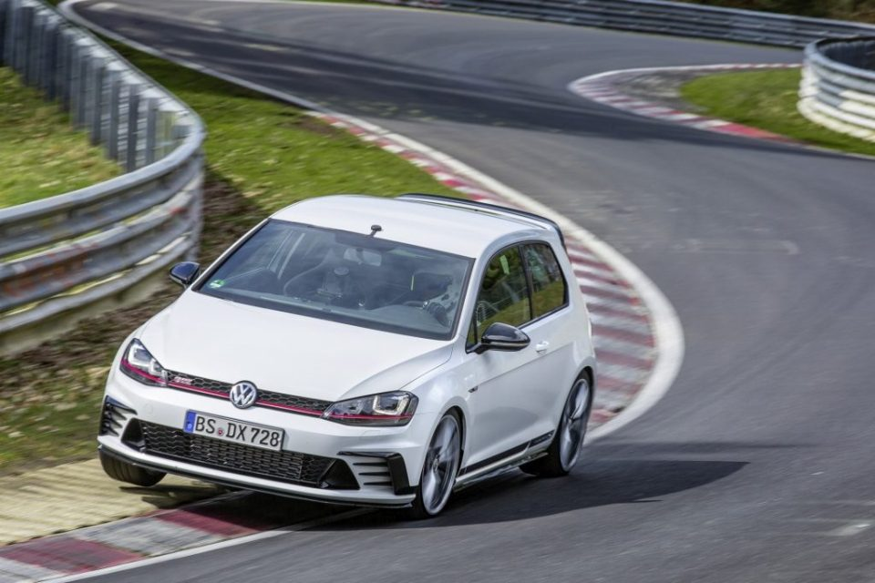 VW Golf GTI Clubsport S- FWD Nurburgring Record-1