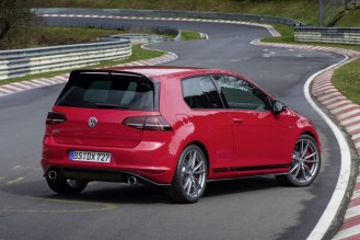 VW Golf GTI Clubsport S- FWD Nurburgring Record-5