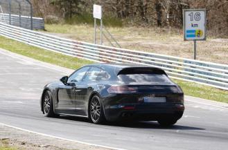 2017 Porsche Panamera Sport Turismo spy shots-2