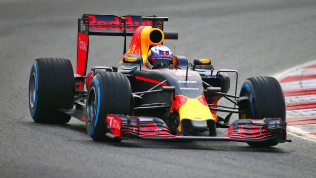 Apple racing to buy out Formula 1