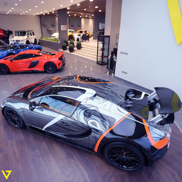 stunning bugatti veyron super sport for sale the supercar blog. Black Bedroom Furniture Sets. Home Design Ideas