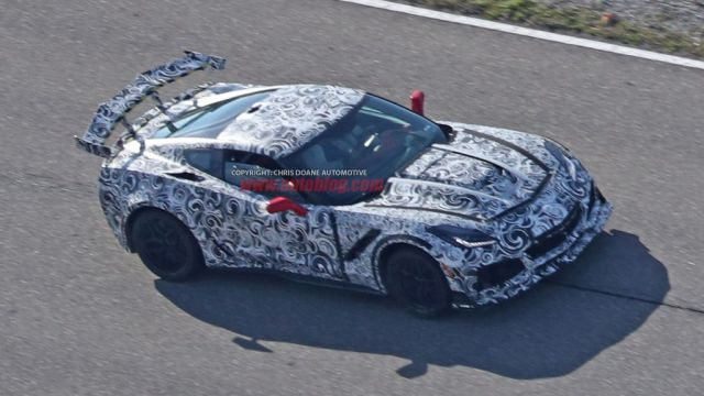 2018-chevrolet-corvette-zr1-spy-shots-chris-doane
