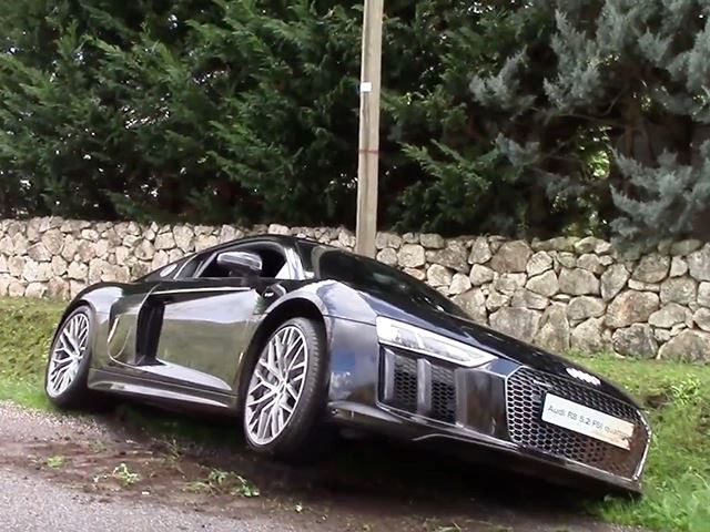 new-audi-r8-crashes-at-cars-and-coffee-in-italy