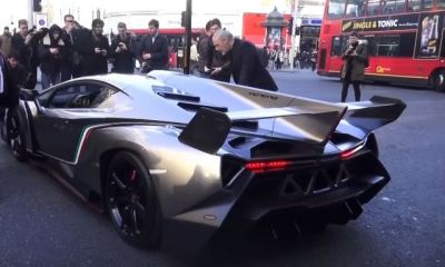 Lamborghini Veneno arrives at HR Owens in London for Christmas
