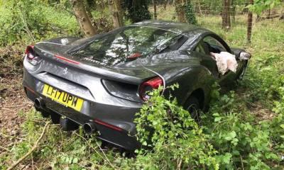 Ferrari 488GTB crashed in the UK-3